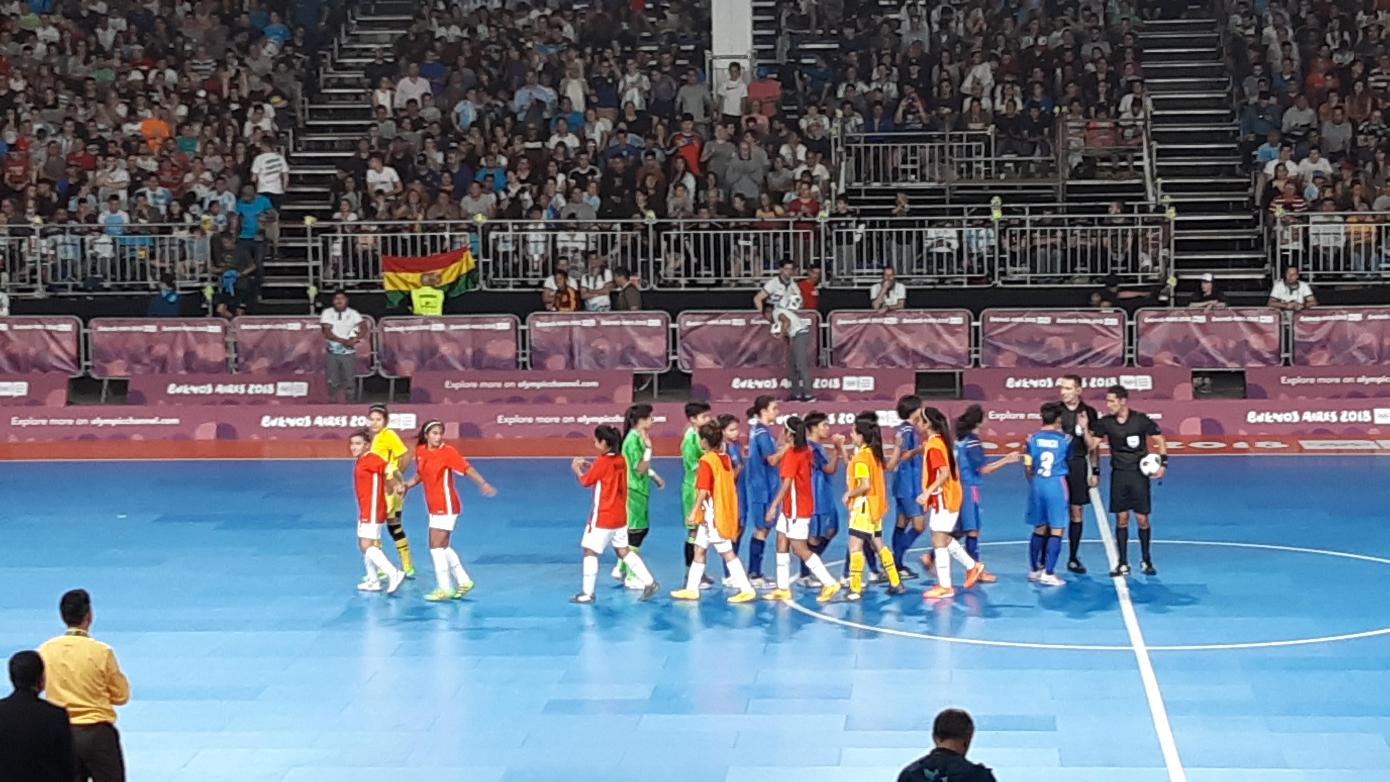Bolivia vence a Tailandia y busca avanzar a semifinales