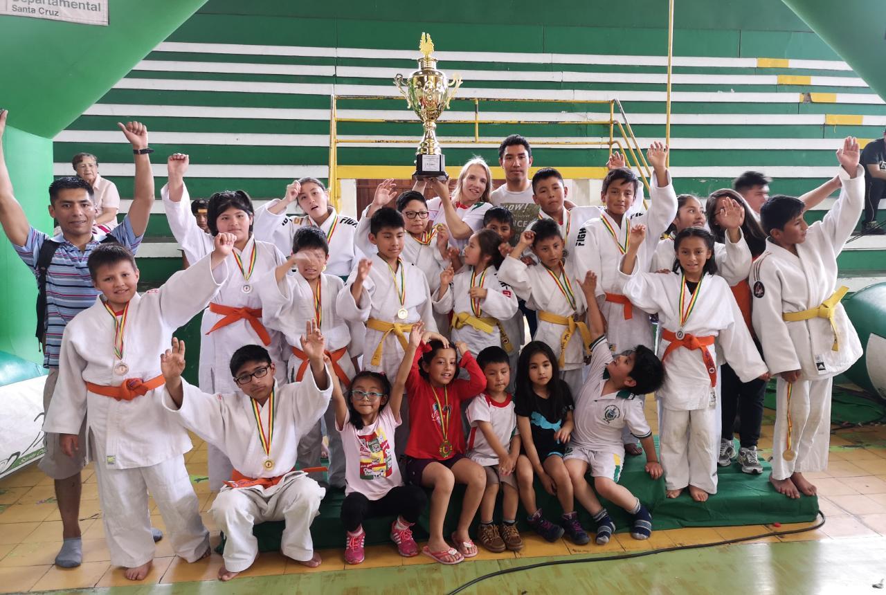 La Paz se corona campeón del Nacional Infantil de Judo