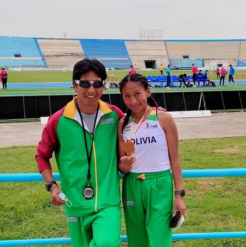 Jhoselyn Camargo logra medalla de Bronce en el Campeonato Sudamericano de Atletismo